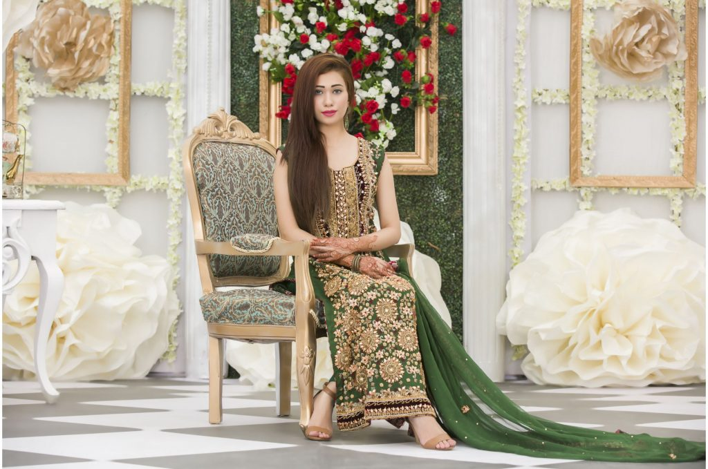 Buy Exclusive Bottle Green Mehndi Dress Online In USA, Uk & Pakistan