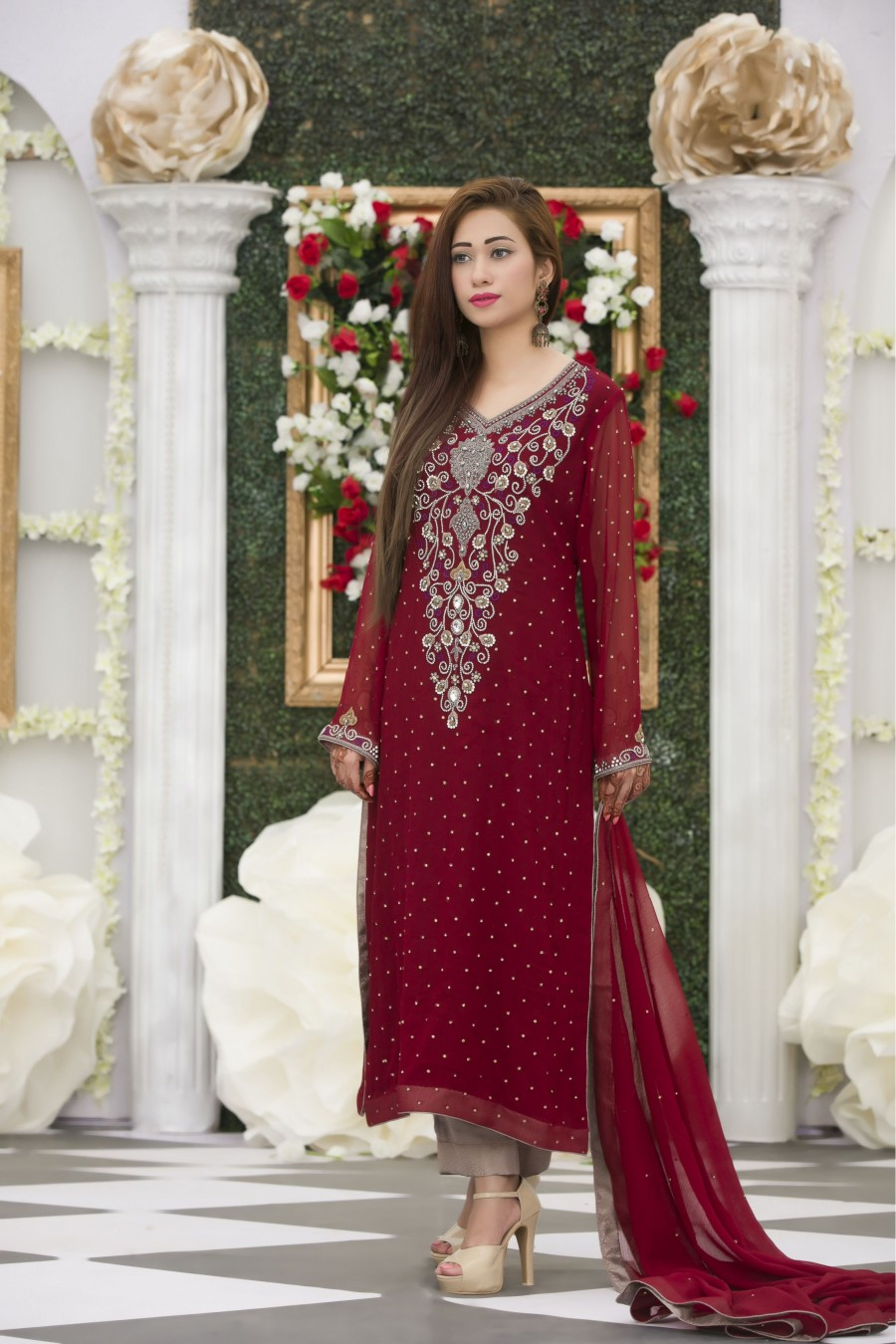 Exclusive maroon bridal dress exclusive online boutique for Online pakistani wedding dresses