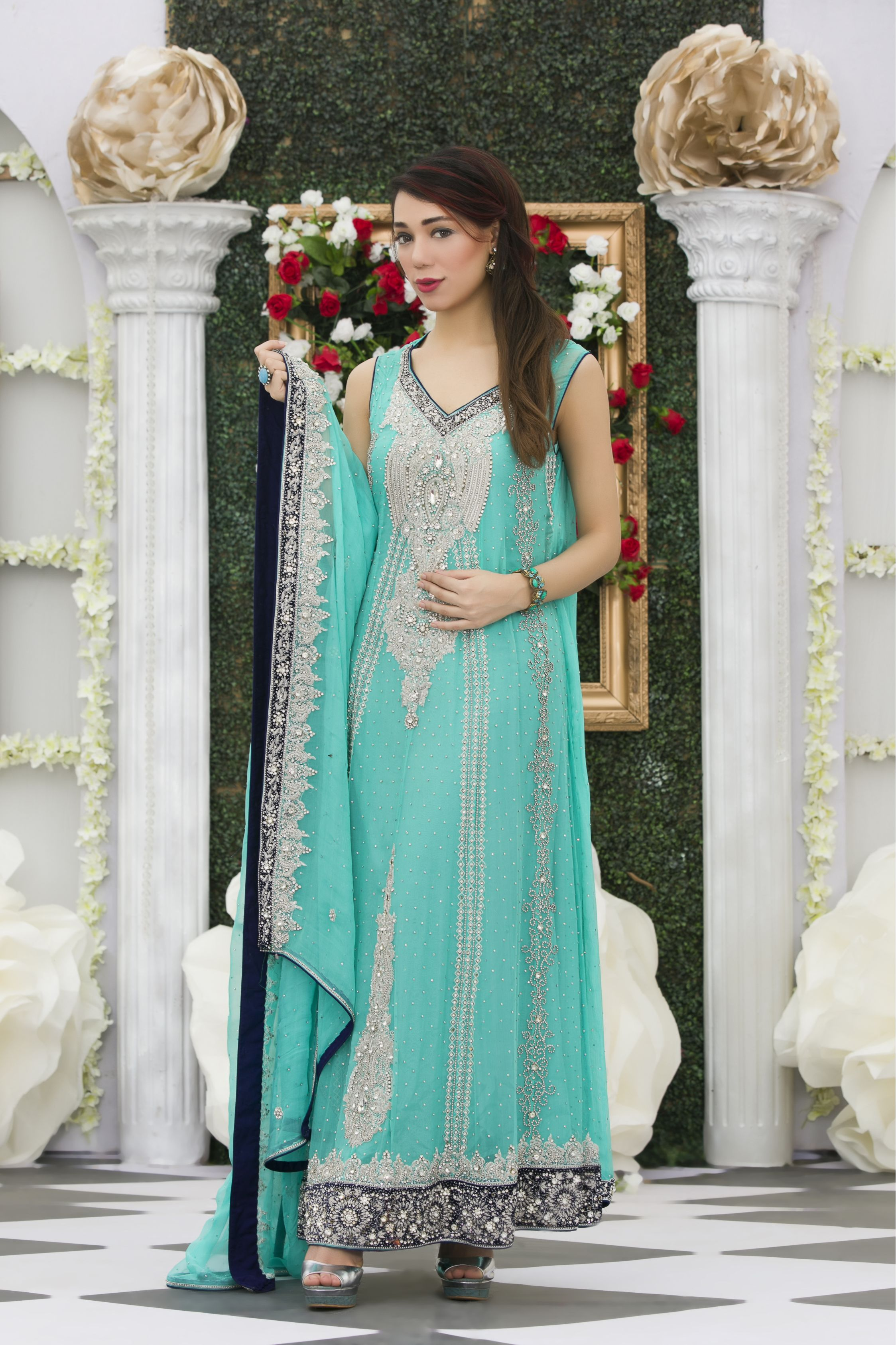 EXCLUSIVE LIGHT FEEROZI BRIDAL DRESS - Exclusive Online Boutique