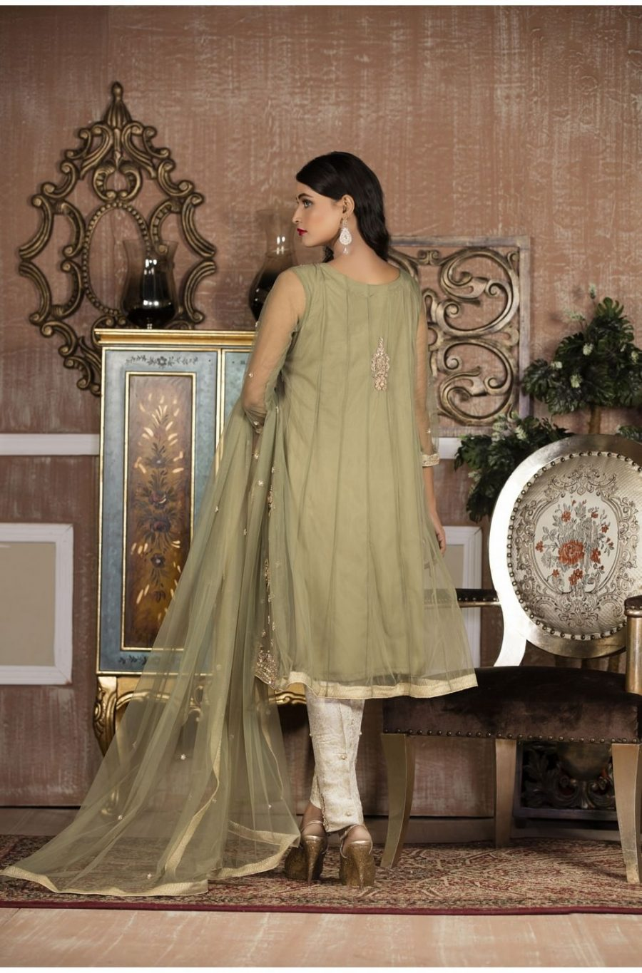 EXCLUSIVE BOUTIQUE PISTA GREEN AND OFF WHITE BRIDAL WEAR