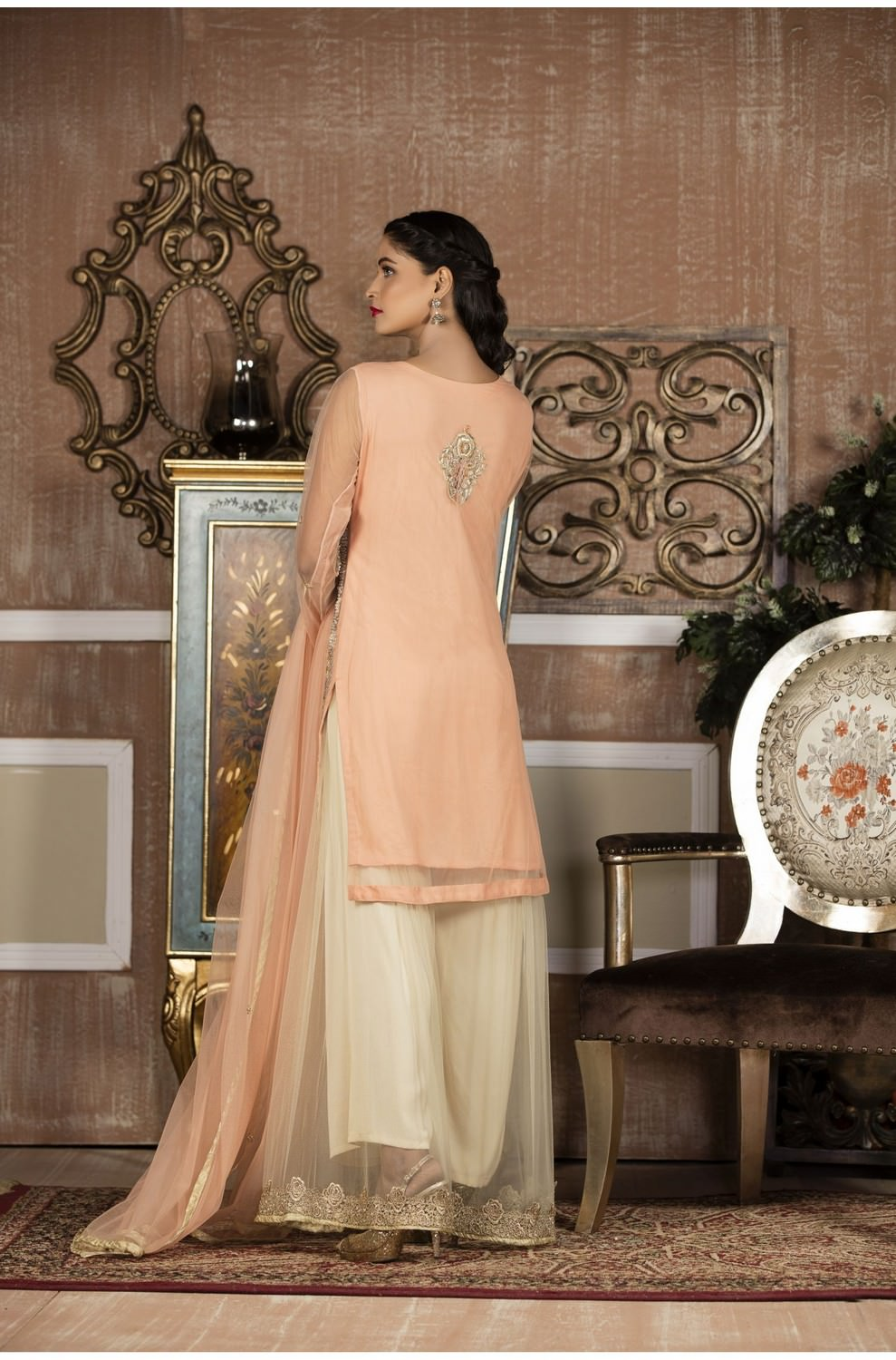 Exclusive Boutique Peach And Off White Bridal Wear G14106