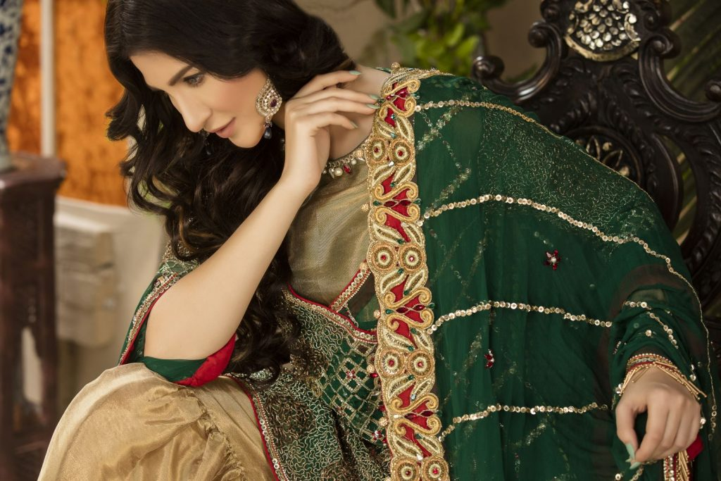 Buy Exclusive Bottle Green And Gold Dress – Sabd04 Online In USA, Uk & Pakistan - 02