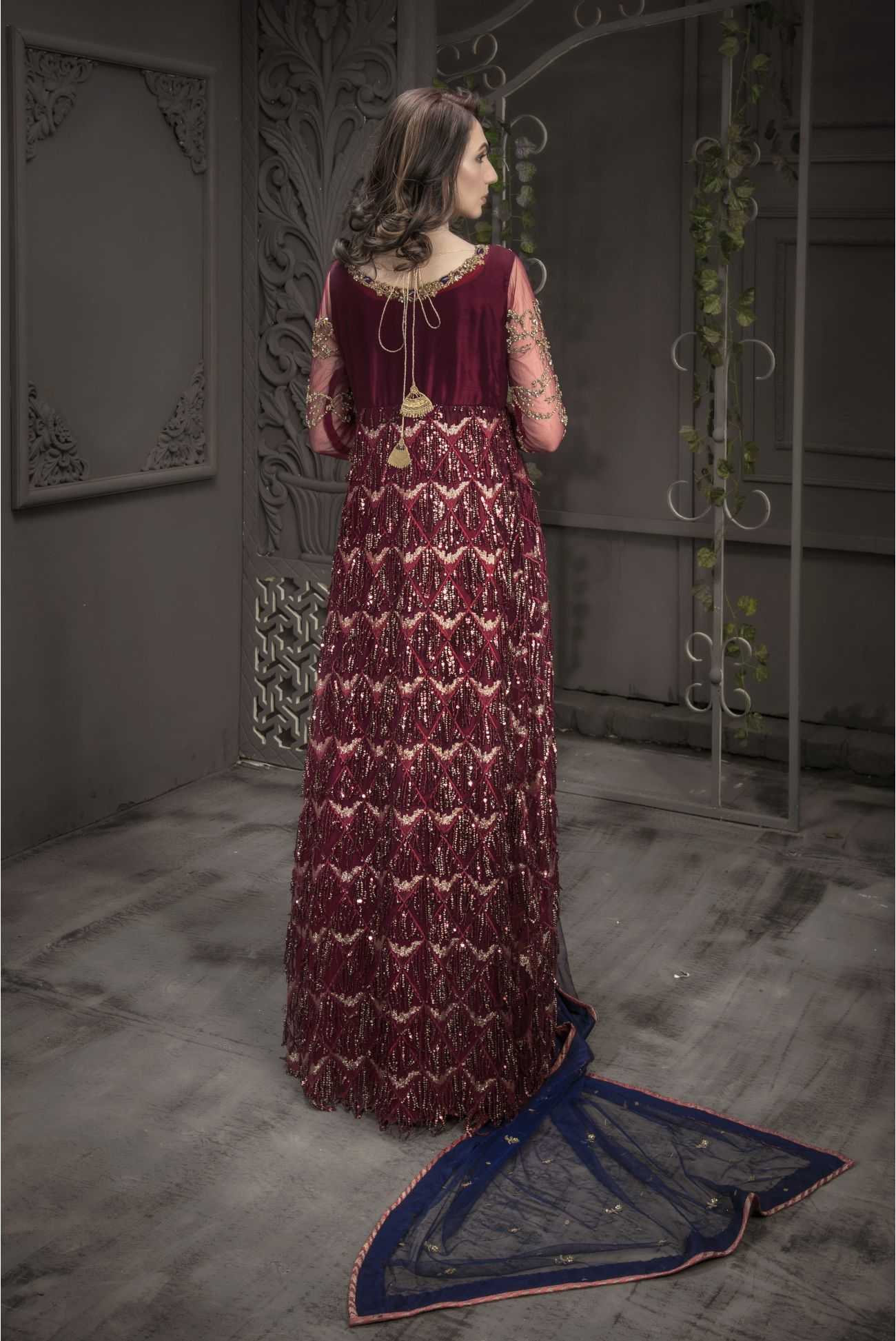 Buy Exclusive Maroon And Blue Bridal Wear – Aqbd05 Online In USA, Uk & Pakistan - 03