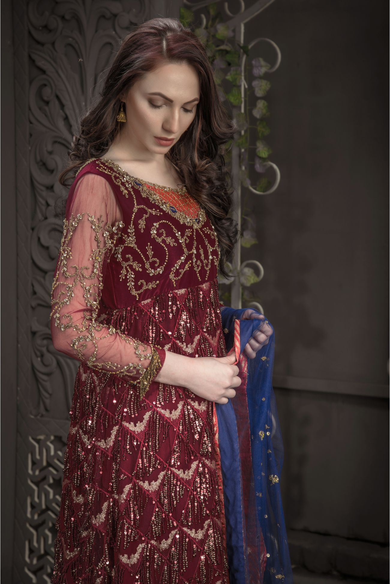 Buy Exclusive Maroon And Blue Bridal Wear – Aqbd05 Online In USA, Uk & Pakistan - 02