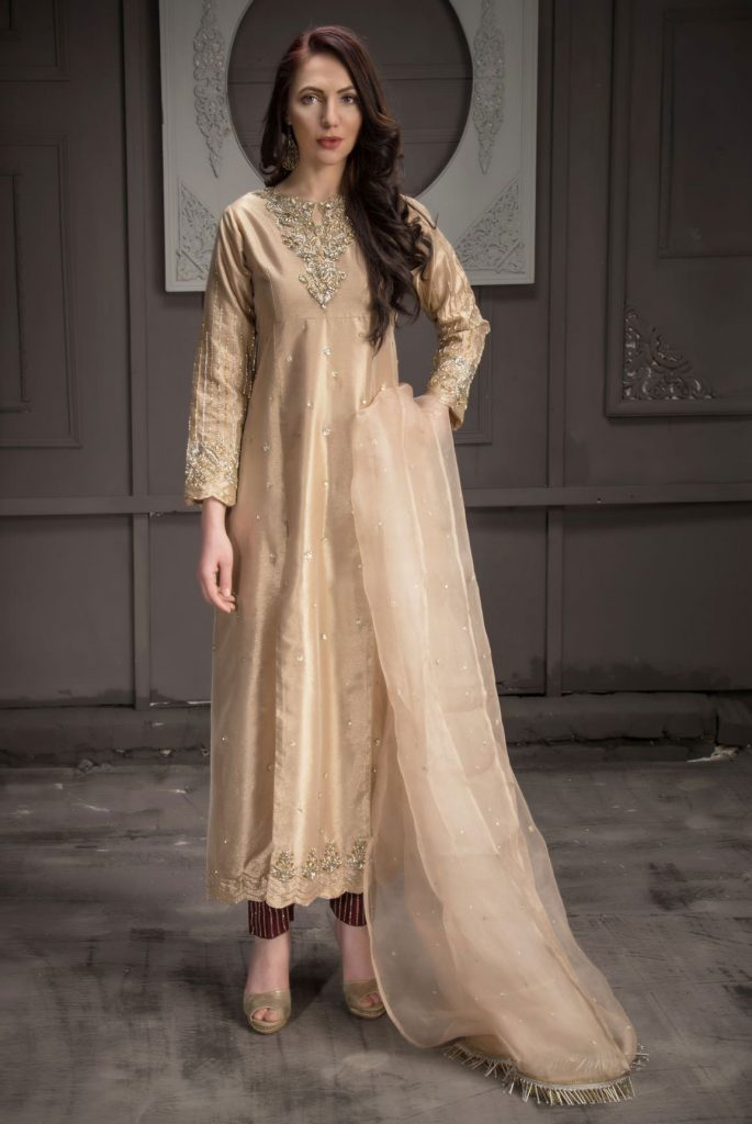 Buy Exclusive Rose Gold Bridal Wear – Aqbd08 Online In USA, Uk & Pakistan
