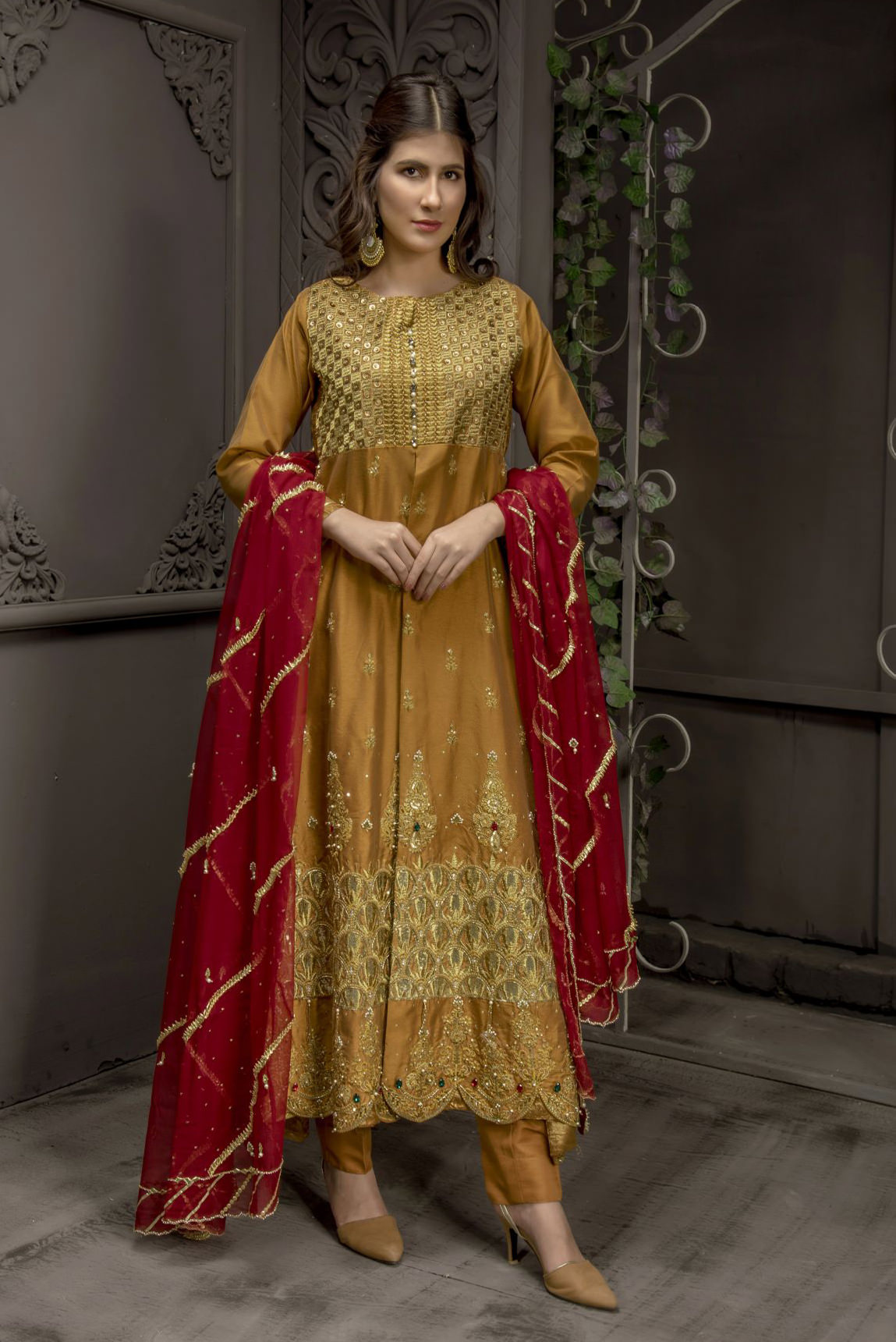 Buy Exclusive MUSAtard And Maroon Bridal Wear – Sabd218 Online In USA, Uk & Pakistan