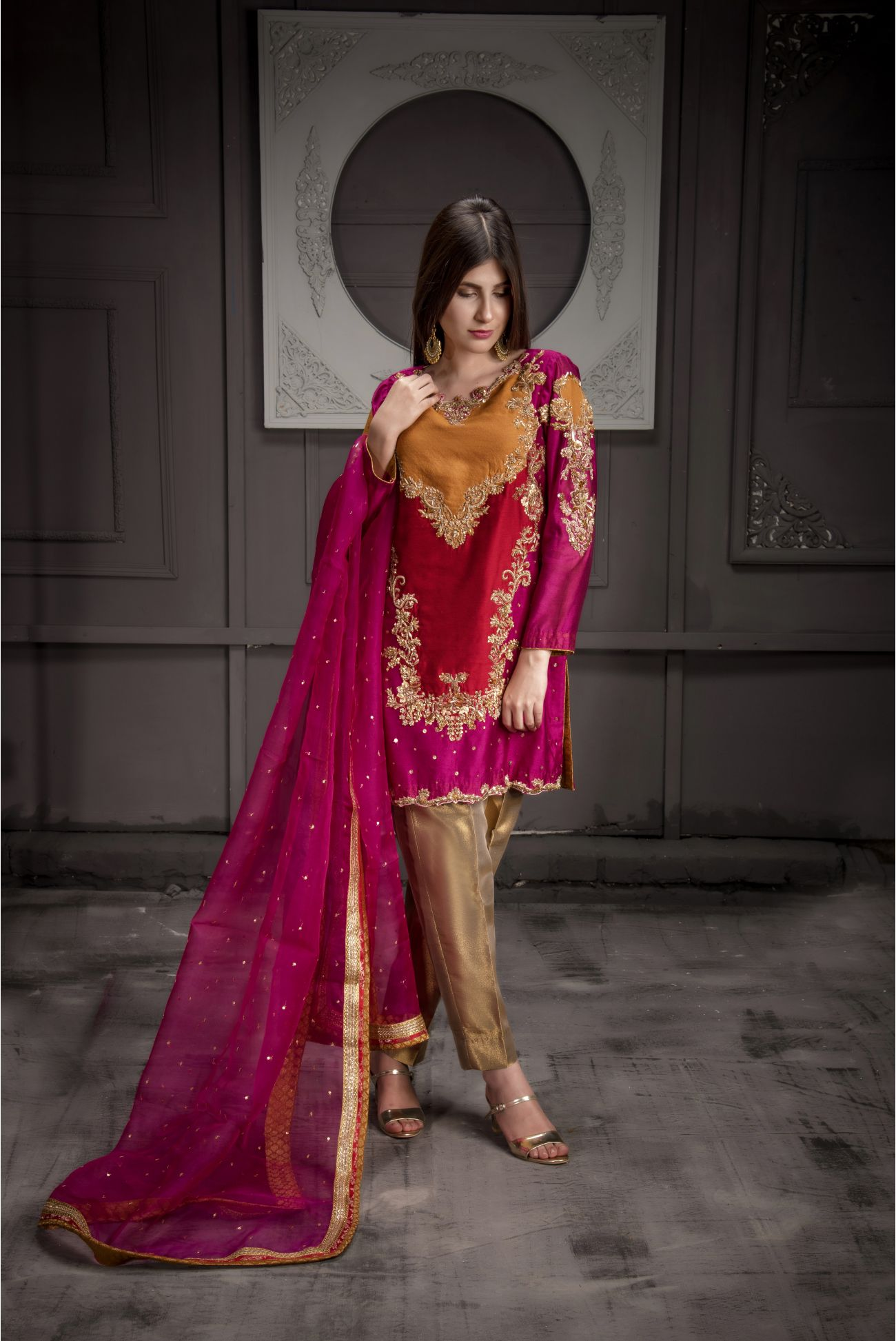 Buy Exclusive Hot Pink,Red And RUSAt Bridal Wear – Sdbd11 Online In USA, Uk & Pakistan - 01