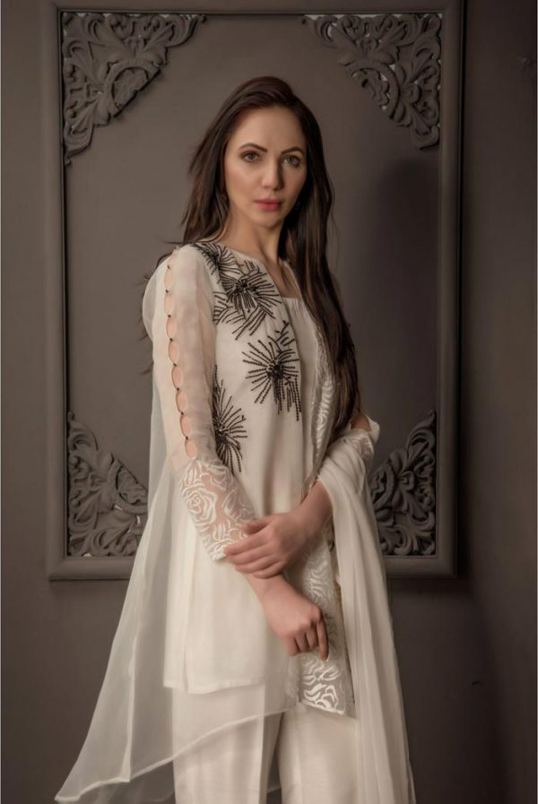 Buy Exclusive Ivory Party Wear – Aqs87 Online In USA, Uk & Pakistan