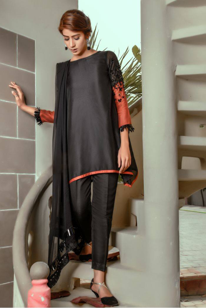 Buy Exclusive Black And RUSAt Party Wear – Sds259 Online In USA, Uk & Pakistan - 03