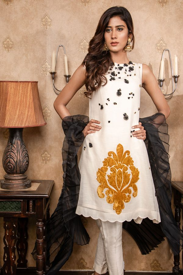 Buy Exclusive Ivory & Black Party Wear – Sds380 Online In USA, Uk & Pakistan - 01