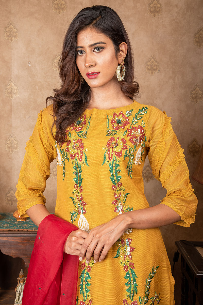 Buy Exclusive MUSAtard & Red Party Wear – Sds384 Online In USA, Uk & Pakistan - 01