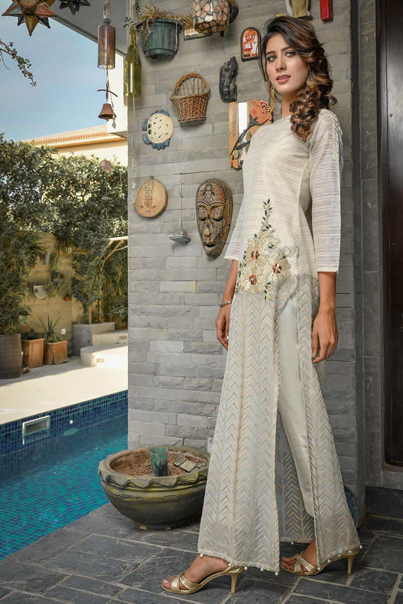 Buy Exclusive Ivory Party Wear – Afc30 Online In USA, Uk & Pakistan - 01