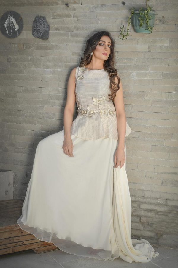 IVORY AND GOLD LUXURY PRET