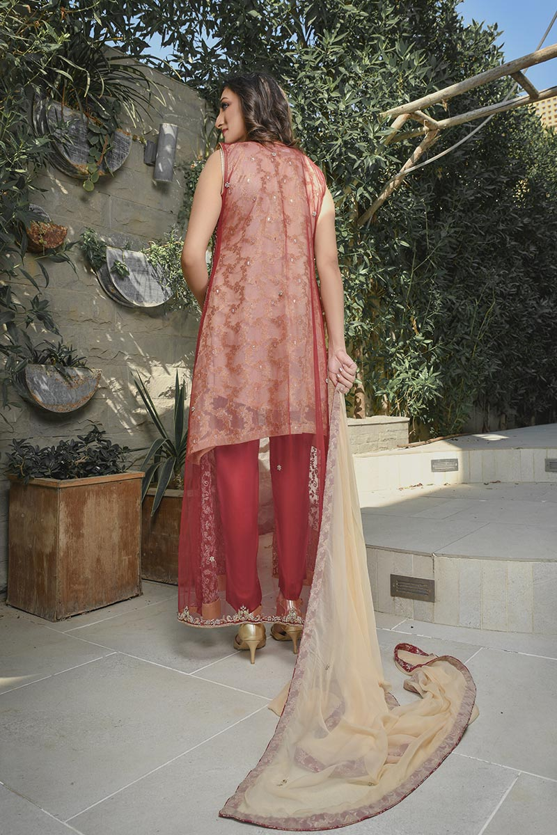 Buy Exclusive Maroon And Gold Bridal Wear – G21541 Online In USA, Uk & Pakistan - 01