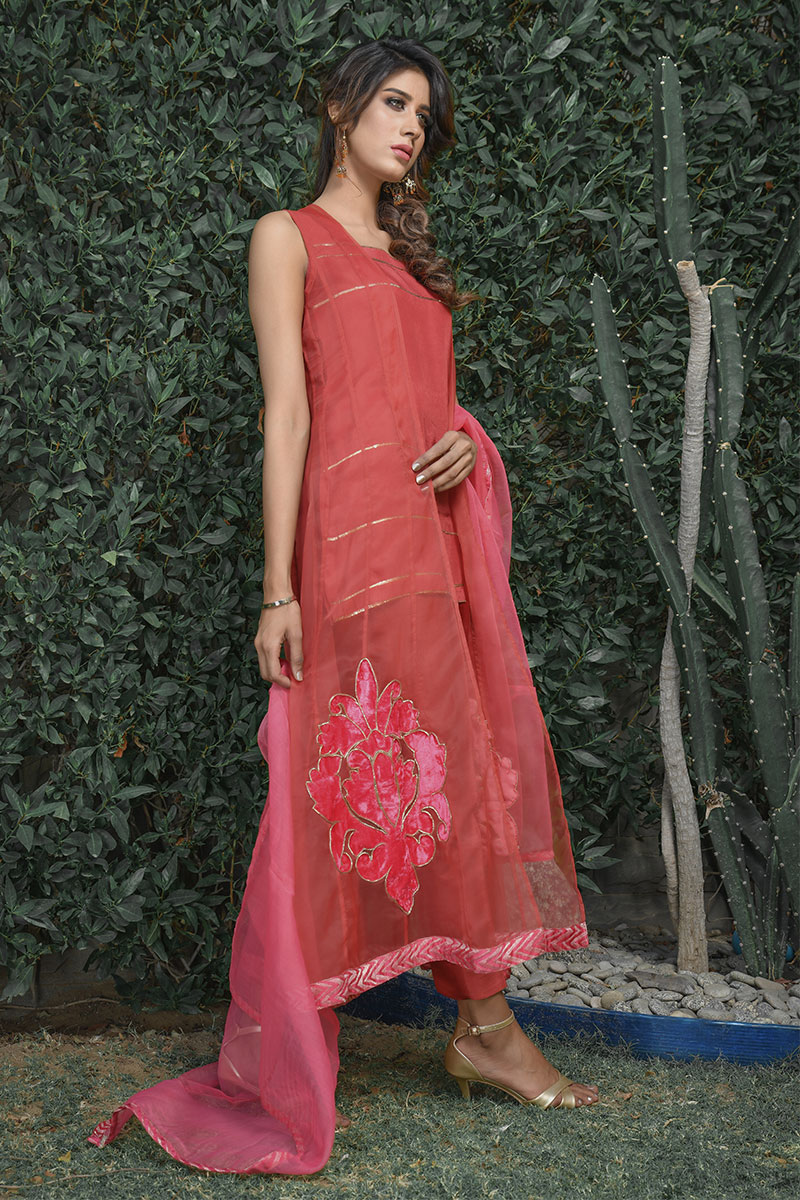 Buy Exclusive Coral Pink Party Wear – Sds395 Online In USA, Uk & Pakistan - 01