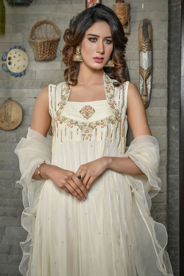Buy Exclusive Off White Luxury Pret – Sds418 Online In USA, Uk & Pakistan - 02