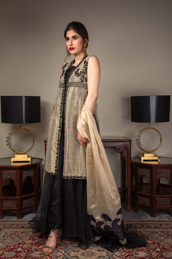 Buy Exclusive Gold And Black Luxury Pret – Sds489 Online In USA, Uk & Pakistan - 02