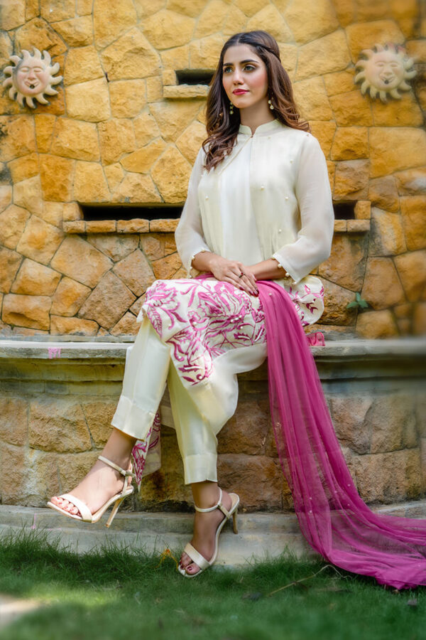 Buy Exclusive Off White And Pink Party Wear – Aqs224Online in UK, US & Pakistan