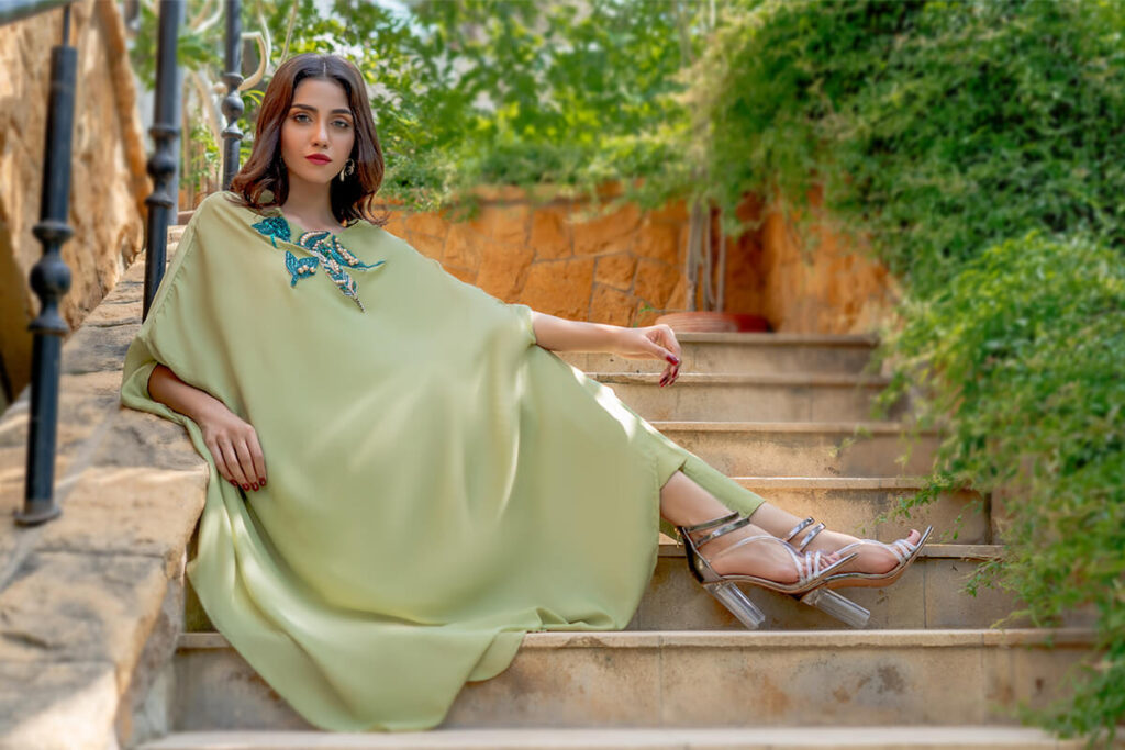 Buy Exclusive Apple Green And Teal Party Wear – Aqs256 Online in UK, USA & Pakistan - 01