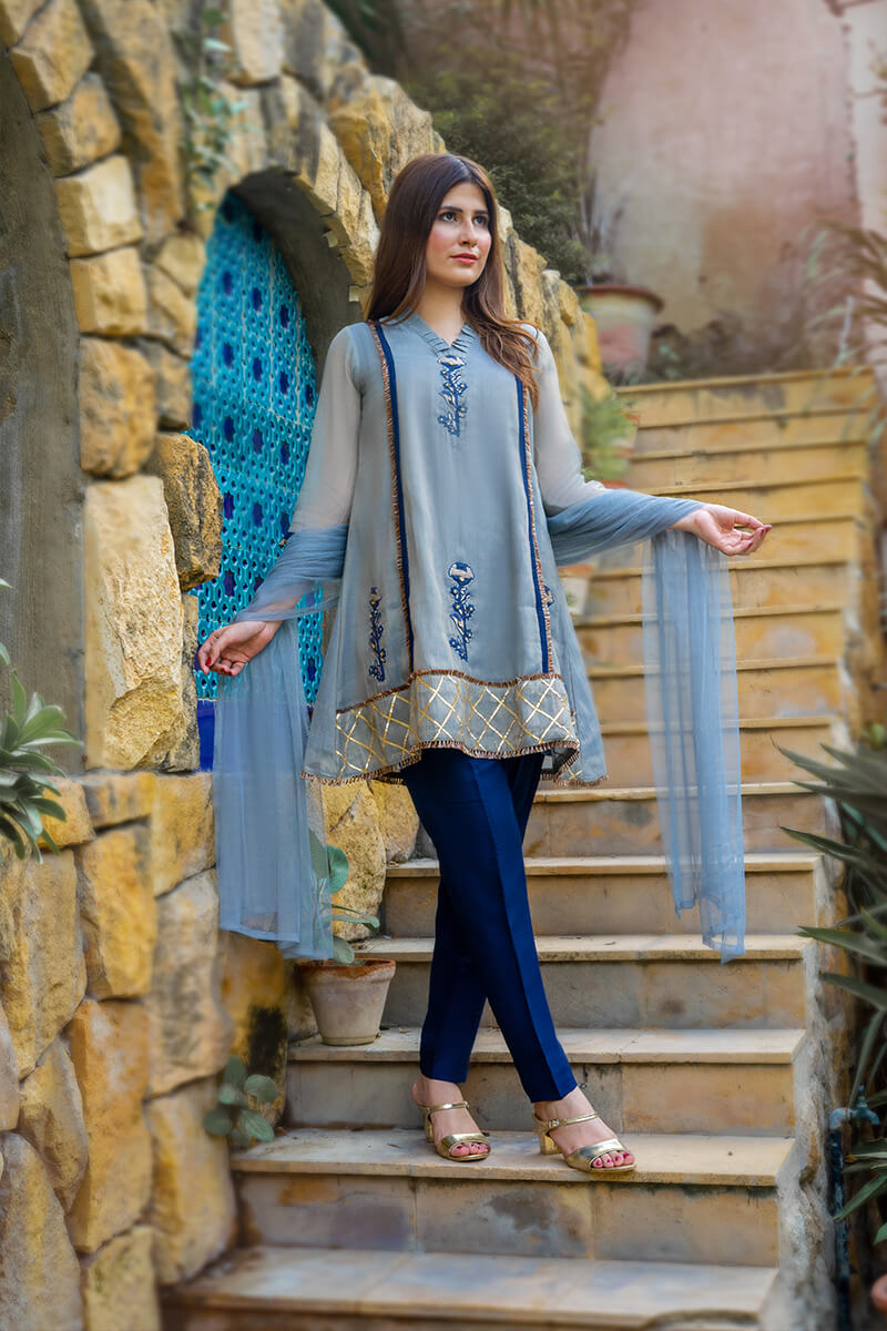 Buy Exclusive Gray And Blue Party Wear – Zzs39Online in UK, US & Pakistan