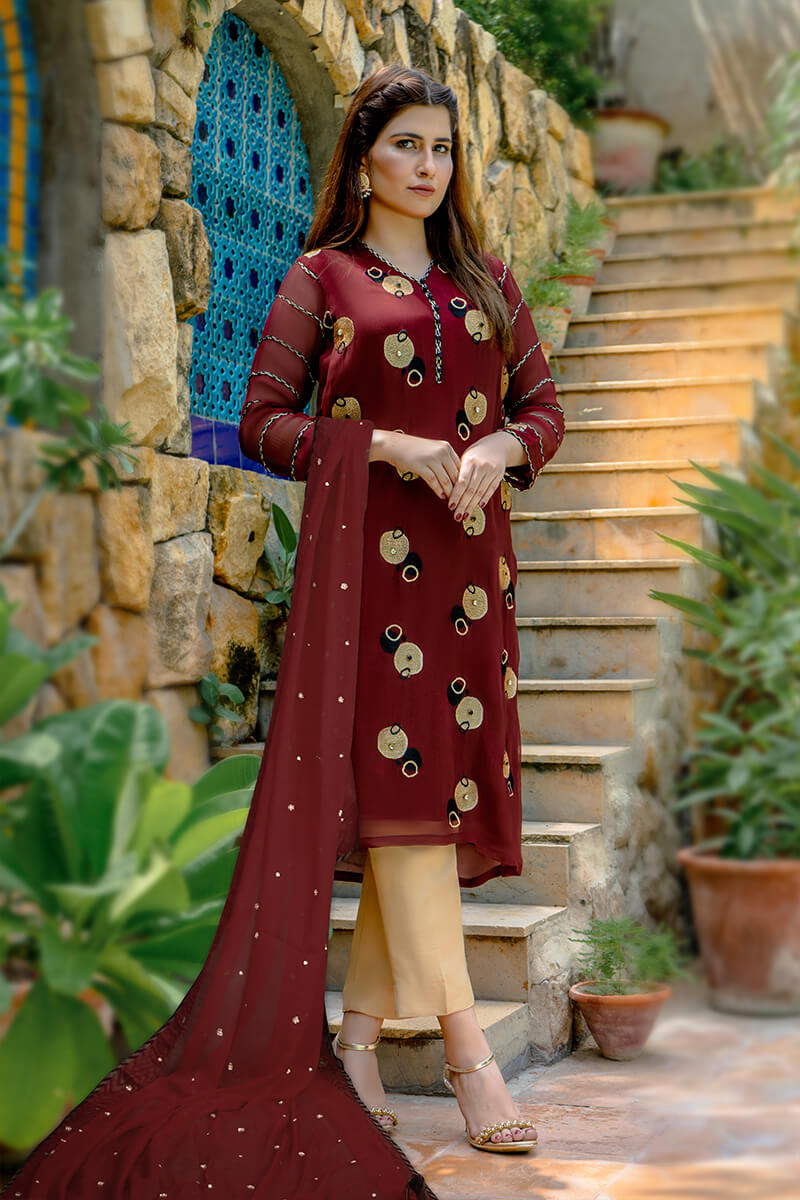 Buy Exclusive Maroon And Gold Party Wear – Zzs46 Online in UK, USA & Pakistan
