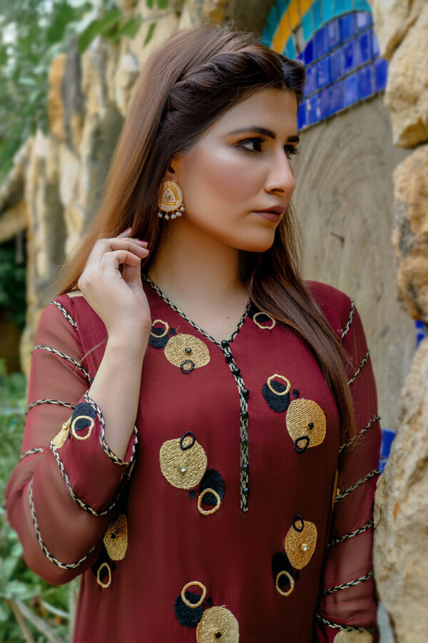 Buy Exclusive Maroon And Gold Party Wear – Zzs46 Online in UK, USA & Pakistan - 01